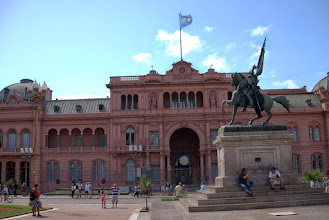 Photo: Plaza de Mayo - imagine the Perons on that balcony below the flag