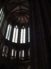 Photo: Another view up the central chancel, showing the arch construction common to Gothic architecture, and one of the elements allowing the lighter, more open structure.