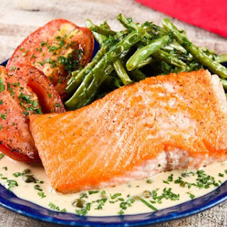 Steelhead Trout in Shallot-Butter Sauce with green beans and Roma tomatoes