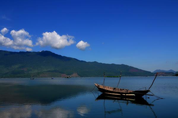 Vietnam ....la serenità dei suoi luoghi.  di Massimo BrugognonePhotography
