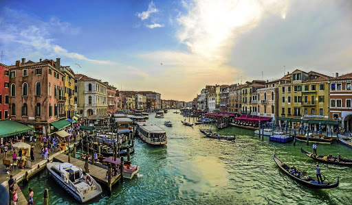 The Grand Canal: A view from the Rialto bridge in Venice. Picture: 123RF/ JAKOBRADLGRUBER