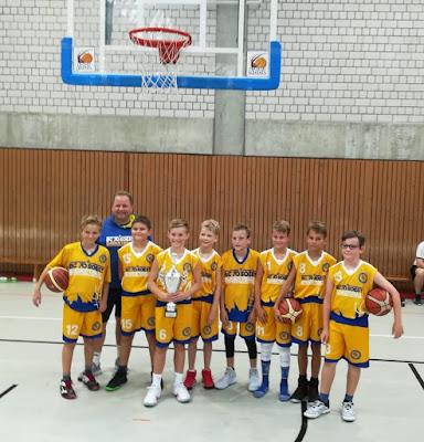 """U12 männlich gewinnt TSV Bayer Giants """"Trophy""""!"""