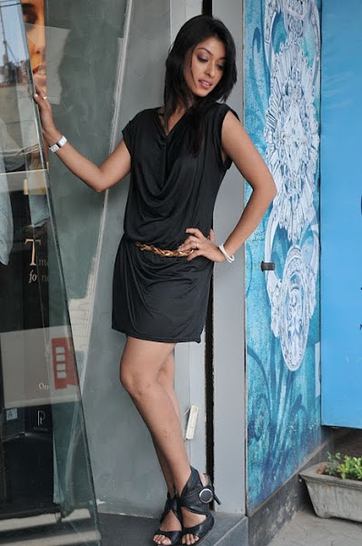 Payal Ghosh in heels, Payal Ghosh hot pics