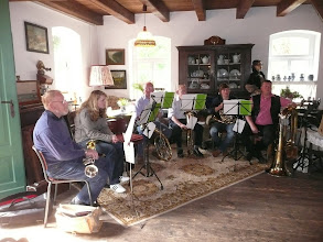 Photo: Gottesdienst in der Meyersiekschen Mühle am Mühlentag. Posaunenchor Steyerberg begleitete musikalisch den Gottesdienst.