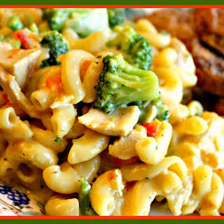 Broccoli Chicken Mac and Cheese!.