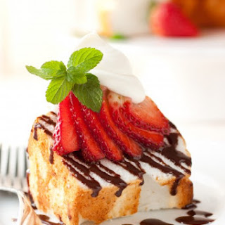 Angel Food Cake with Nutella Drizzle, Fresh Strawberries & Mascarpone Cream