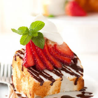 Angel Food Cake with Nutella Drizzle, Fresh Strawberries & Mascarpone Cream.