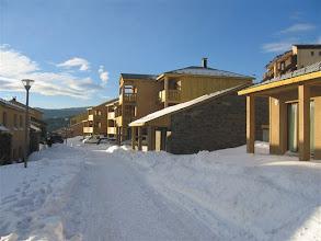 Photo: Allées de la résidence en hiver