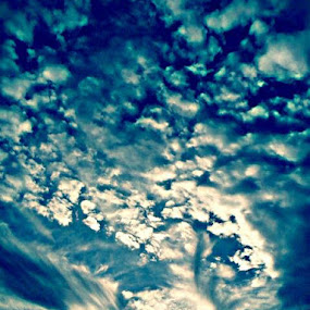 THIS picture is awesome. I LOVE this one! by Samantha Walls - Landscapes Cloud Formations