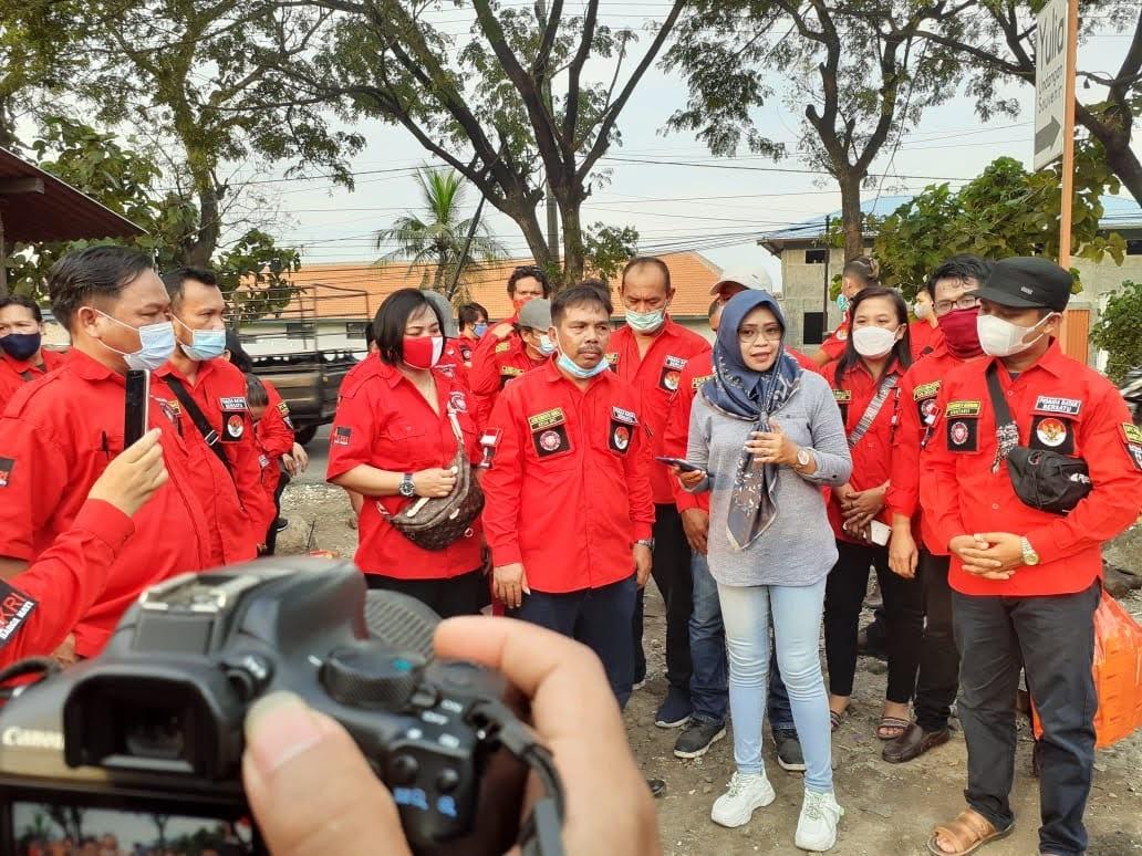Ormas Pemuda Batak Bersatu DPC Kabupaten Magetan Jawa Timur Membagikan Takjil