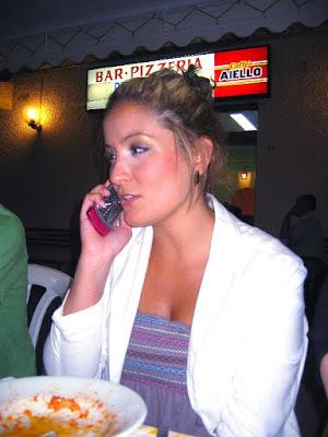 Telefonino a tavola di victor76