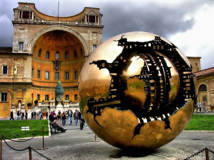 Ill Mondo Di Pomodoro In Vaticano di nobiwan
