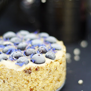 Raw Blueberry Cashew Cheesecake