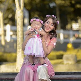 Mom Baby by Dedi Triyanto  - People Family