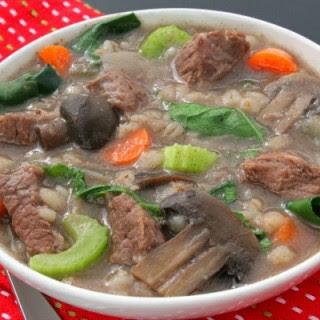 Slow Cooker Beef Barley Soup.