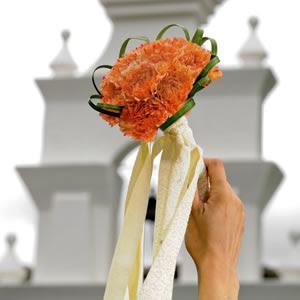 Photo: Mini Calla Bridal Toss Bouquet http://bit.ly/QDFT7M