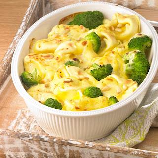 "Broccoli-Tortellini-Gratin ""Quattro Formaggi"""
