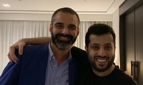 Turki con el alcalde de Almería.