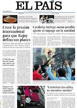 """Photo: """"Crece la presión internacional para que Rajoy defina sus planes"""" y """"Cataluña incluye como posible ajuste el copago en la sanidad"""", entre las noticias de nuestra portada del 23 de noviembre http://www.elpais.com/static/misc/portada20111123.pdf"""