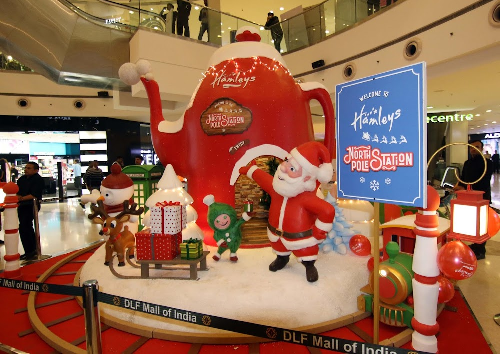 DLF_Mall_Of_India_Christmas_Display