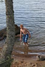 Foto: ... nu har han doppat sig, såvida 1 sekund under vattenytan räknas ;-)