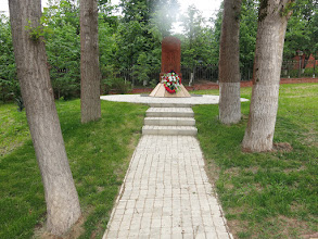 Photo: Памятник рядом с Казанской церковью