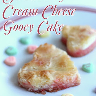 Strawberry Cream Cheese Gooey Cake