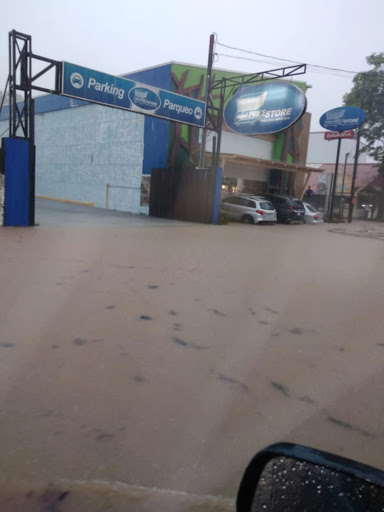 Quepos flooded by heavy rains (Photos)