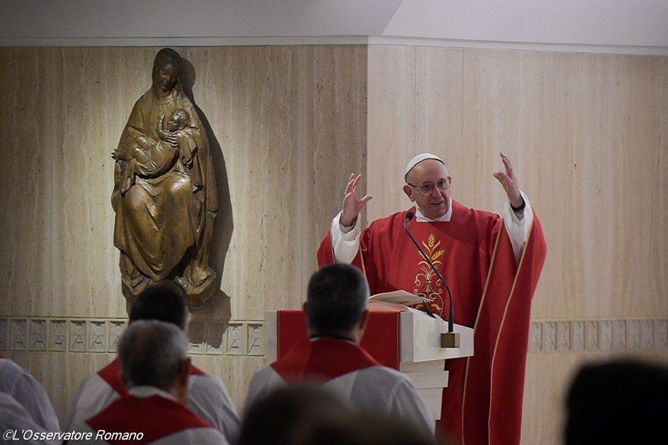 Đức Thánh Cha: nền tảng của đời sống chúng ta là Đức Giê-su Người đang cầu nguyện cho chúng ta