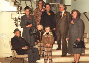 Photo: Teun en Janna Klop, Adrie vd Herik, Miep Verhoeks, Hans vd Herik en Nel Verhoeks met de kinderen.