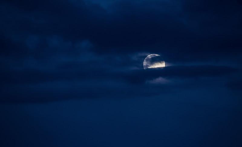 Cosa c'è di più magico che la luna? di Alessandro Bonesso