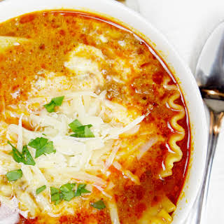 Easy 1 Pot Lasagna Soup.