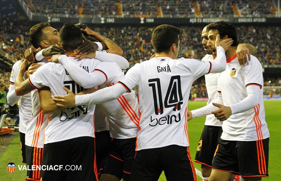 Resultado de imagen de valencia cf celebracion de los goles esta temporada
