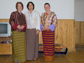 Photo: und kleidet unsere Damen in geschmackvolle Kiras