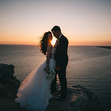 Wedding photographer Vitaliy Belov (beloff). Photo of 04.09.2018