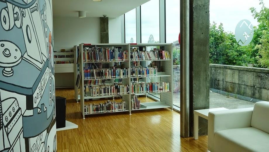 Foto Biblioteca Xosé Neira Vilas 7