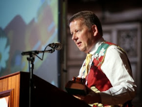 Photo: INIB president Bill Turnbull welcomes the guests to the Gathering 2013
