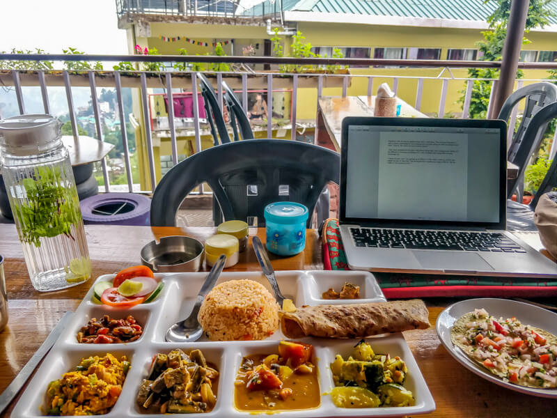 vegetarian+thali+white+rabbit+village+of+bhagsunag+himachal+pradesh