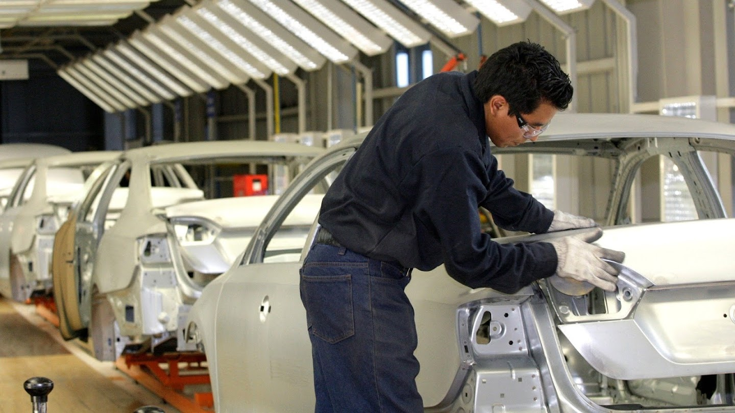 Watch Driving Mexico's Economy live