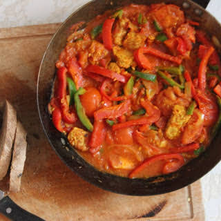 North African Tomato and Pepper Stew [Vegan].