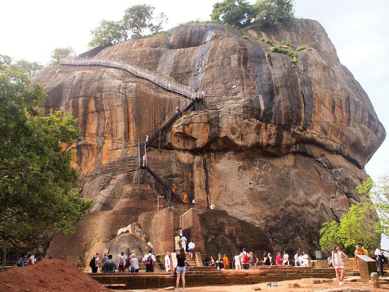 Climbing Sigiriya rock - a hot and sweaty affair