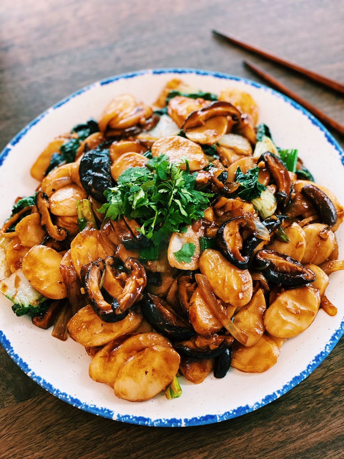 Shanghai Stir-fried Rice Cakes (Vegetarian & 20 Minutes ONLY! )