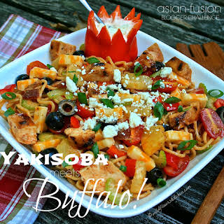 Yakisoba Grilled Buffalo Chicken & Bacon Noodle Salad with Pineapple & Spicy Blue Cheese Crema / JSL Foods & Fortune Blogger Recipe Challenge Part III.