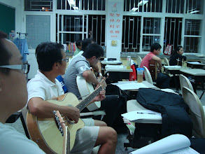 Photo: 20110927頭份(二)一招半式學吉他 004