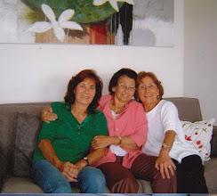 Photo: Ann, Charmaine Mellonius en Denie Roggeveen
