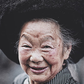 Your smile is my spirit. by Billy Buana - People Portraits of Women ( face, woman, beautiful, candid, portrait )