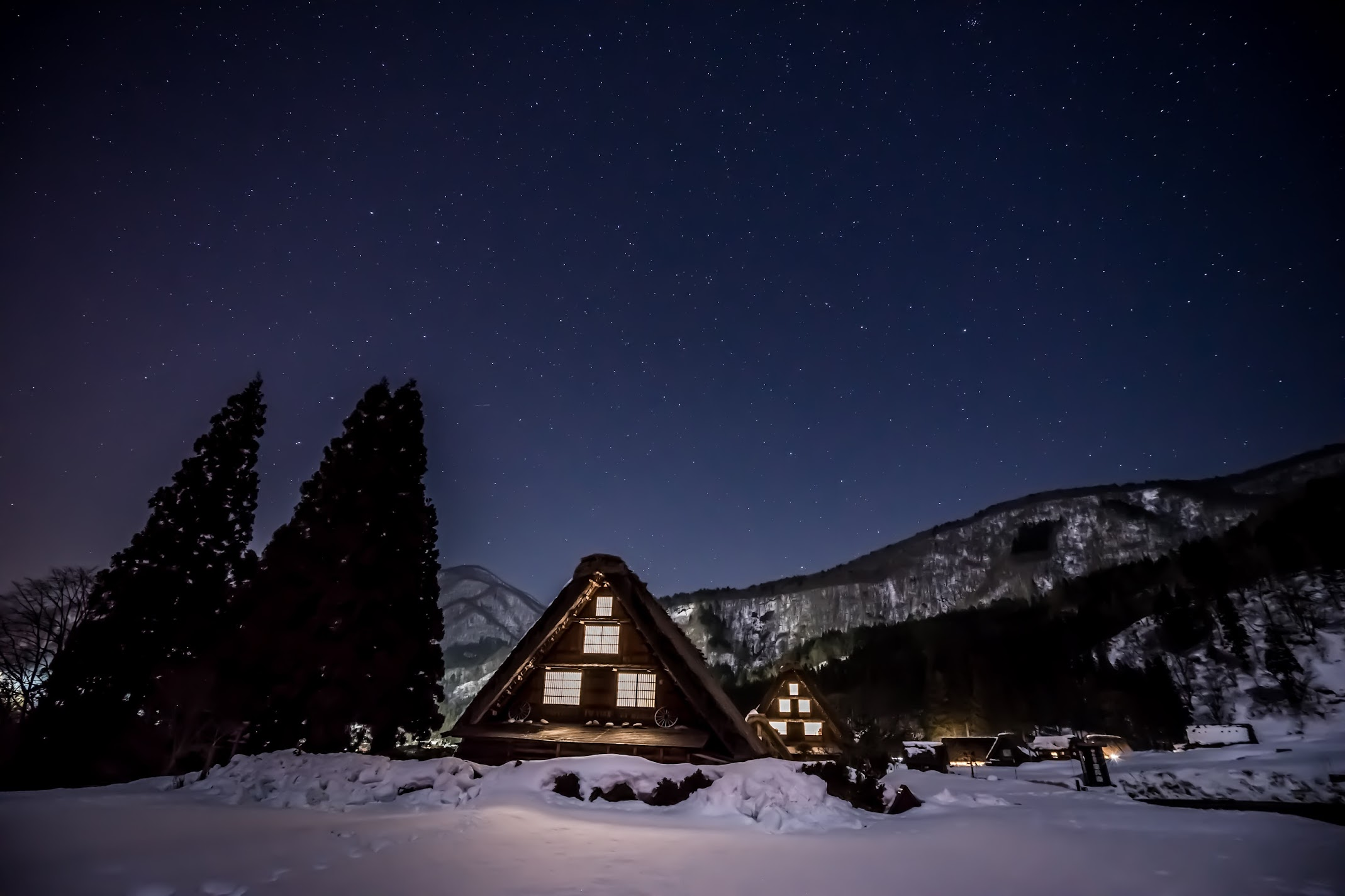 Shirakawa-go night view2