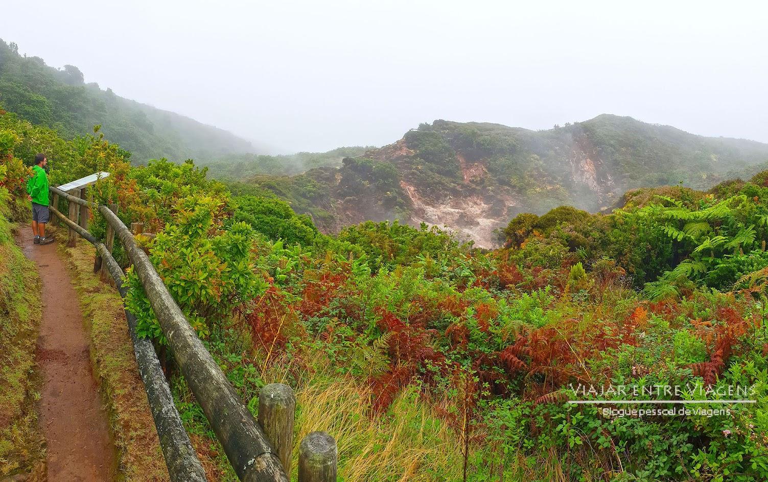 Visitar as Furnas do Enxofre, na ilha Terceira