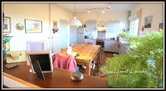Vente maison 11 pièces 334 m2