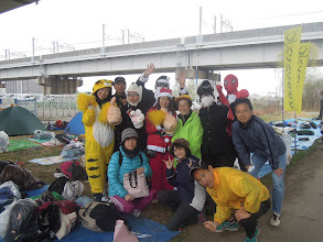 Photo: 応援団一同、 ポケモンのキャサりん、シブジャガ、白熊のオオゴショ、黒サンタのりゅうちゃん、サンタのみぃな、サッキー、学ランリージェント頭のトモちゃん、スパイダーマンのサンタ、ハブラシさん、おいちゃん、アミちゃん、ハッピー